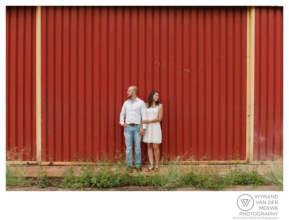WynandvanderMerwe_weddingphotography_engagementshoot_wonderboomairport_aeroplane_klaasjanmareli_gauteng_2018-129.jpg