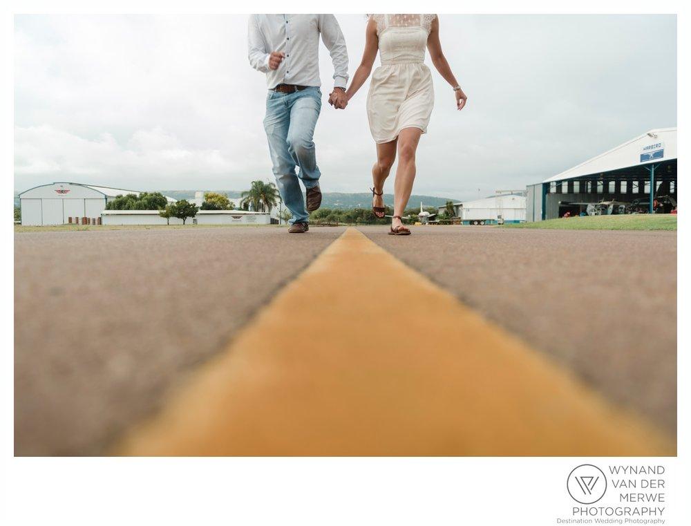 WynandvanderMerwe_weddingphotography_engagementshoot_wonderboomairport_aeroplane_klaasjanmareli_gauteng_2018-145.jpg