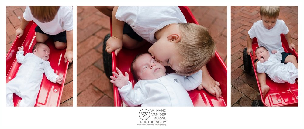 Deon and Lize have a beautiful little family and Wilhelm just love his little brother. #lifestyleshoot #familyphotographer
