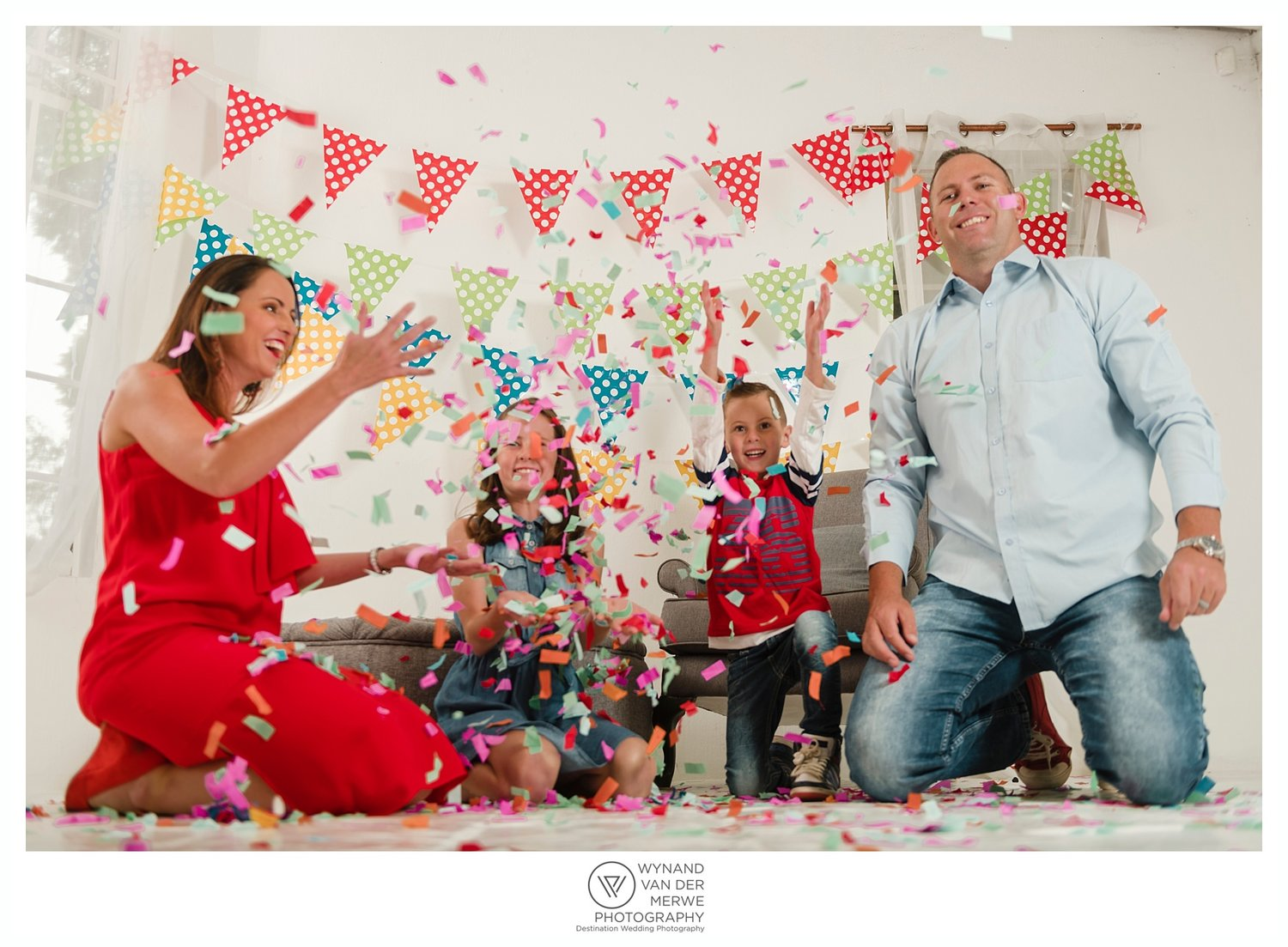 A colorful shoot with Siann & her family | Studio session — Wedding ...