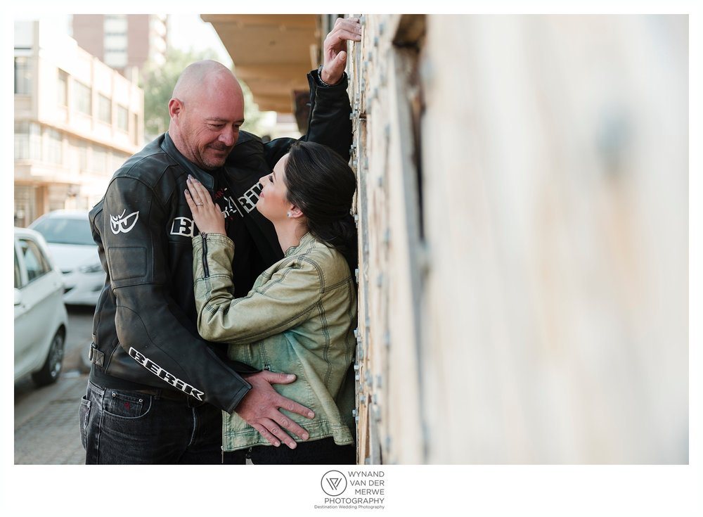 Chris & Marike eshoot in Maboneng