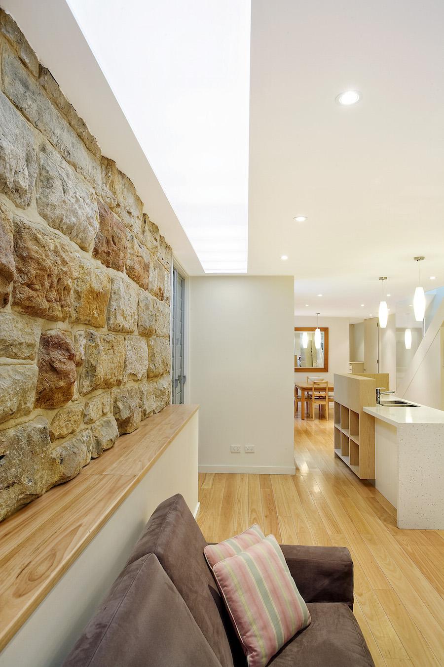 Neutral-Bay-semi-sandstone-wall-website.jpg