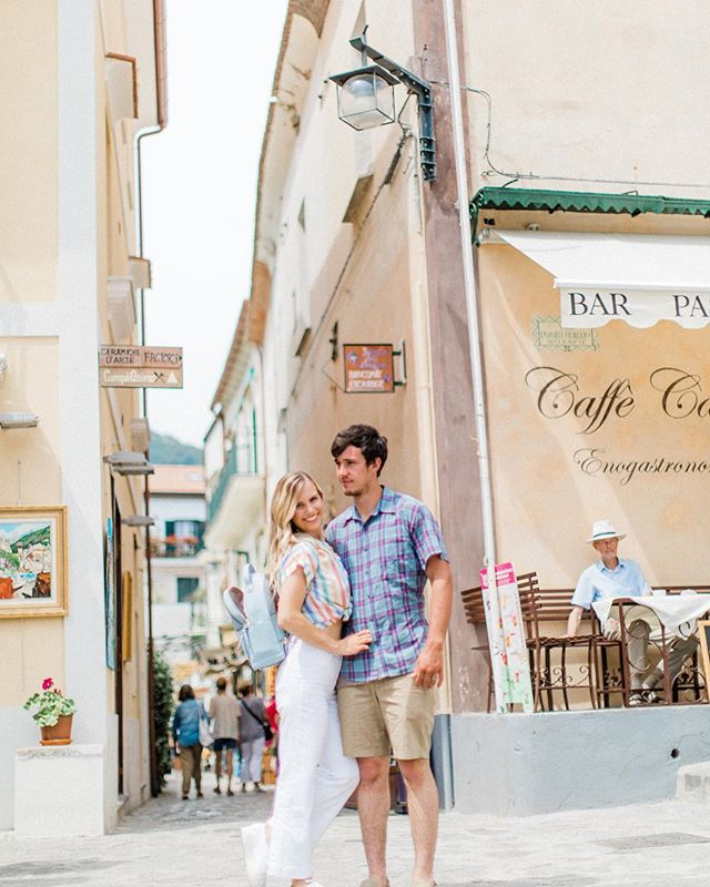 Italy is for lovers 💕 Let's be honest tho, that man in the hat makes this picture 🌞