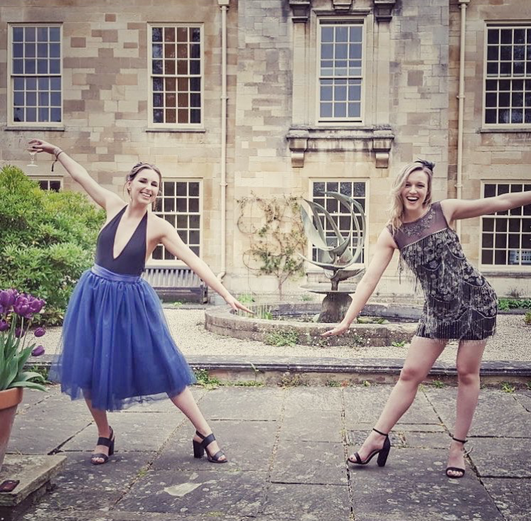 2014 - Founders Aisling and Ali went to India on the Suas volunteer programme while we were in university and saw first hand the reality of the fast-fashion industry. When we came back to Dublin, we had a hard time finding alternatives to fast fashion that were affordable and accessible. We felt isolated in our efforts to make more conscious fashion choices and decided we needed to make a change.