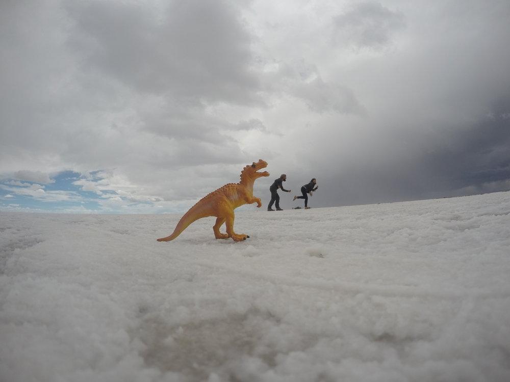 Escaping from Desert Dinosaurs!