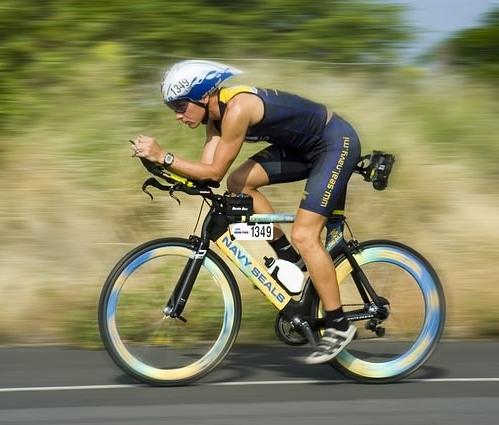 triathalon-cycling-racer-618750_640_mini.jpg