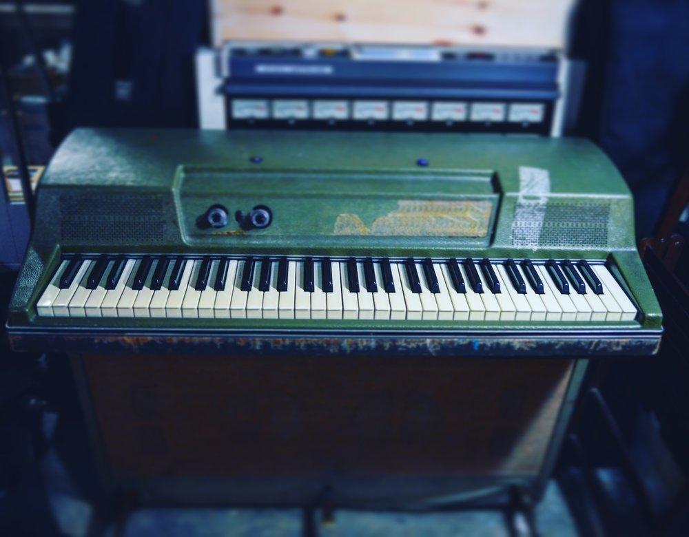 Vintage Wurlitzer Electric Piano