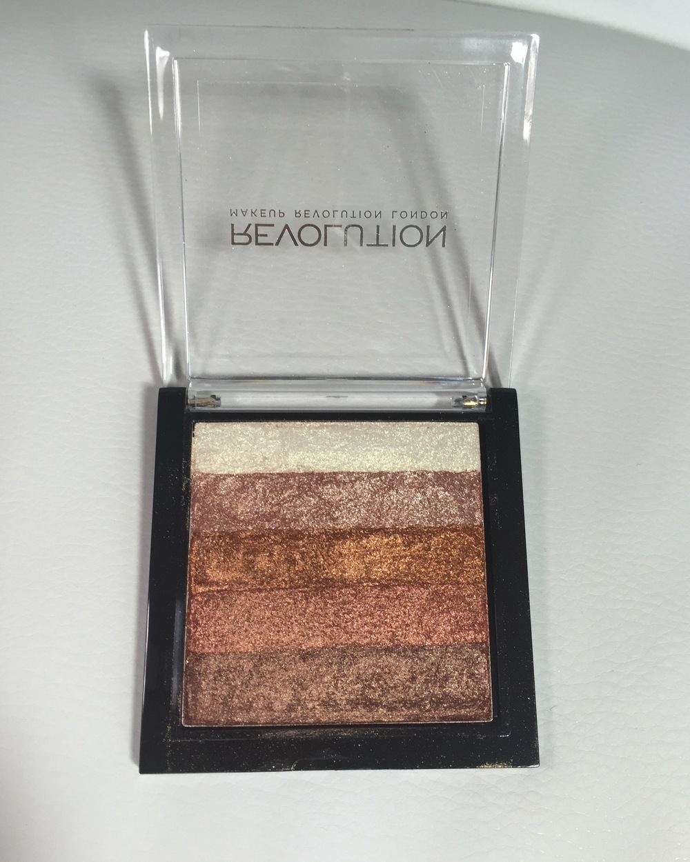 Makeup Revolution Shimmer Brick in Rose Gold