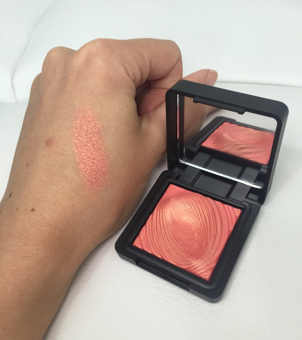 Kiko Water Eyeshadows in 218 Grapefruit Pink