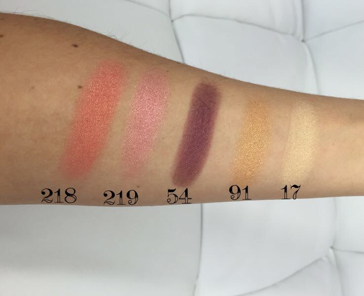 Kiko Eyeshadow Swatches in 218 Grapefruit Pink, 219 Flamingo Pink, 54 Metallic Grape Juice, 91 metallic Deep Gold & 17 Pearly Gold