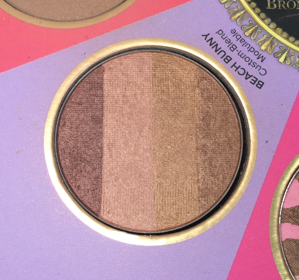 Too Faced The Little Black Book of Bronzers - Beach Bunny