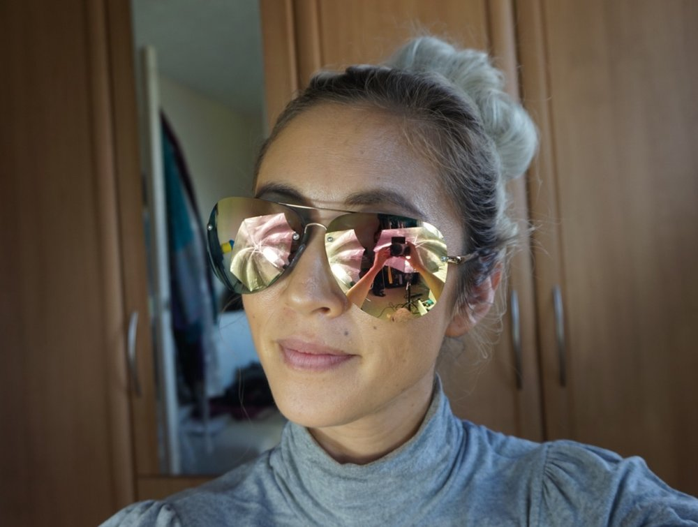 Amanda Steele x Quay Muse Gold