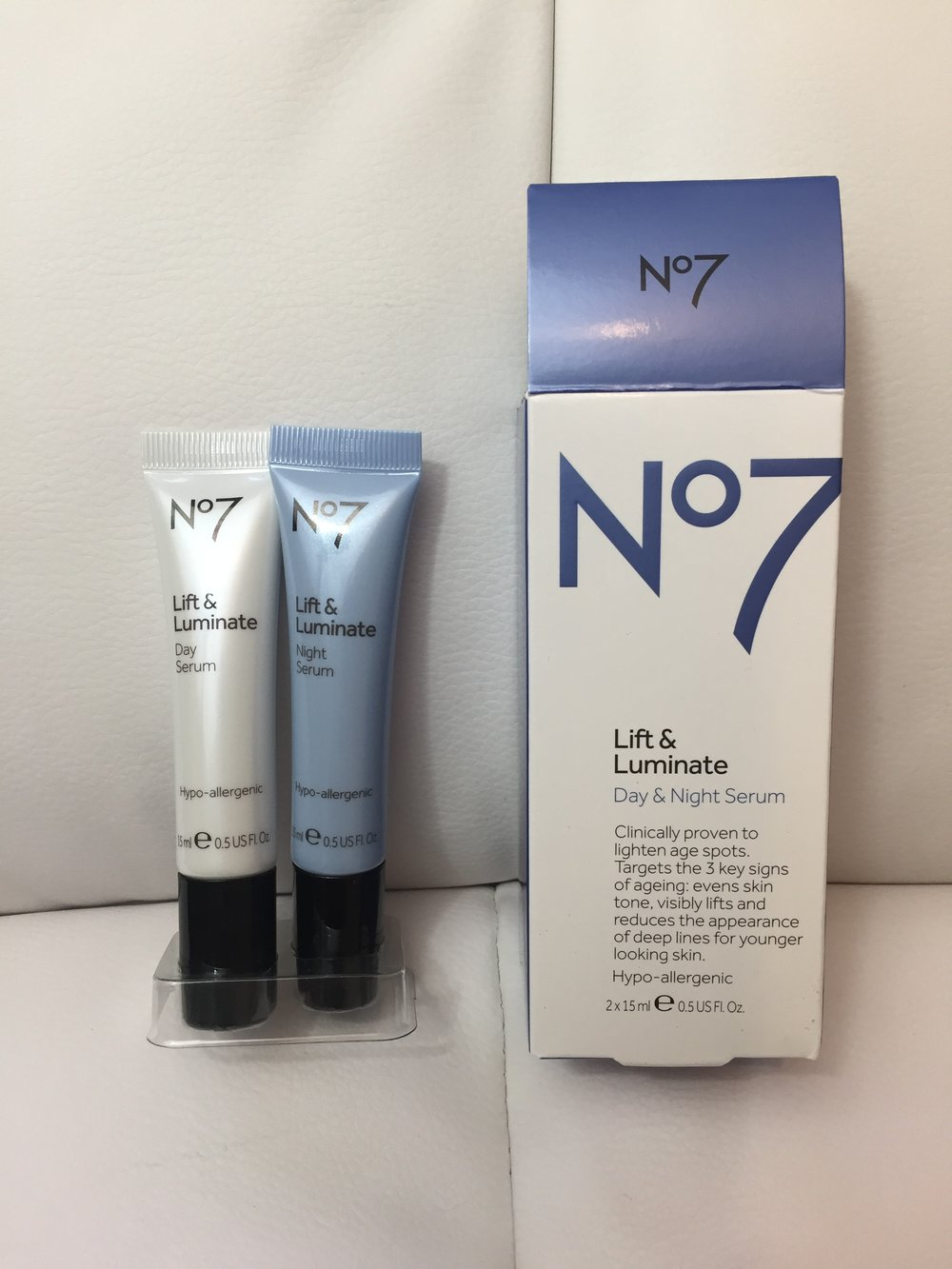 No 7 Lift & Illuminate Day & Night Serum