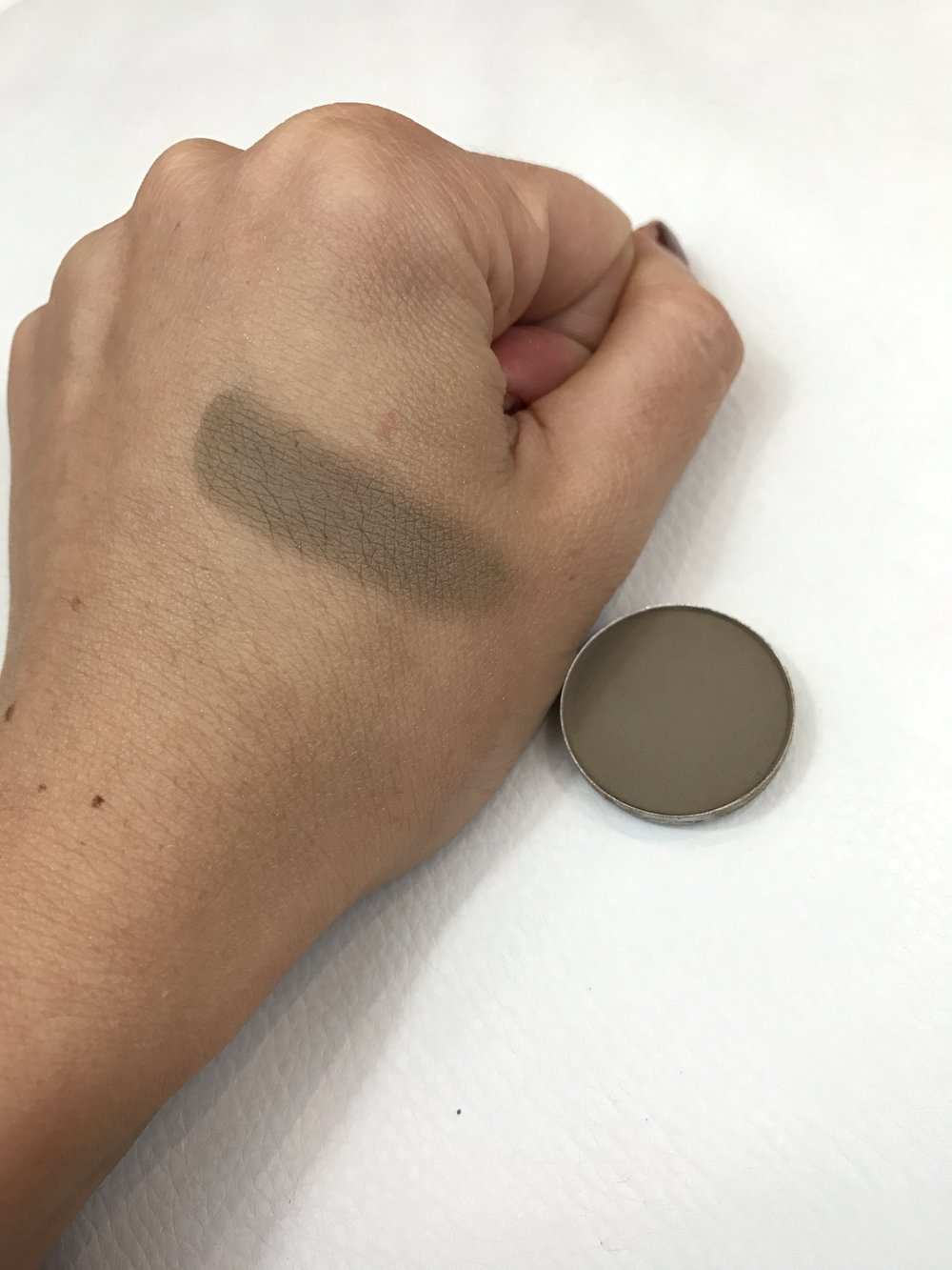 MAC Eyeshadow Coquette Swatch