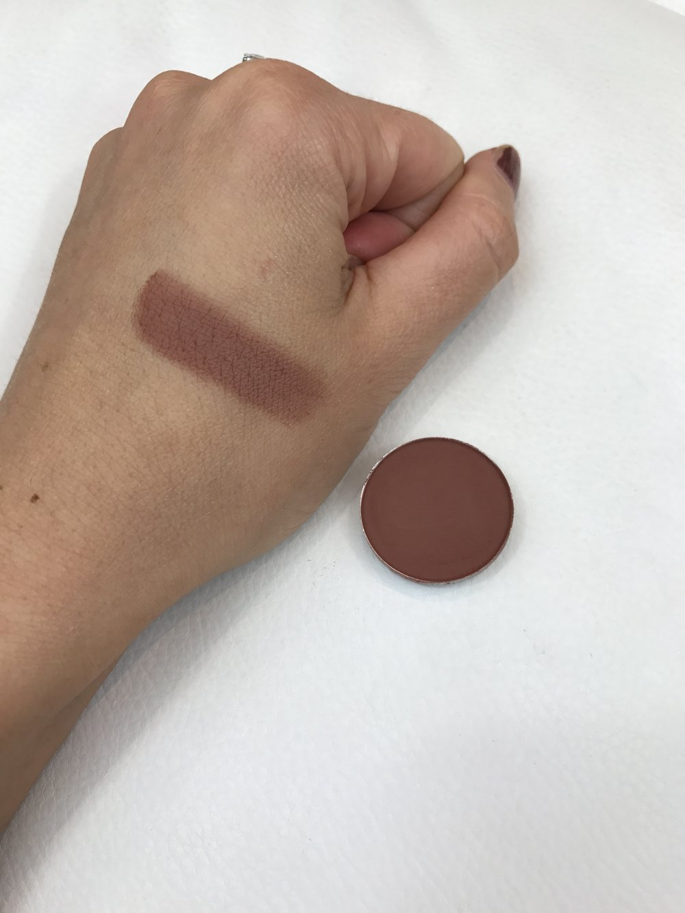 MAC Eyeshadows Swiss Chocolate Swatch