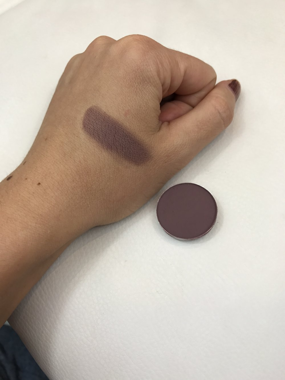 MAC Eyeshadow Blackberry Swatch