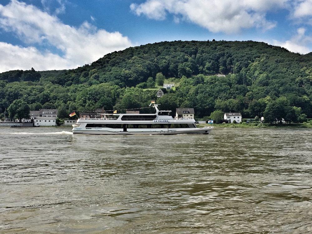 Rheinquartier_Rheinschiff.jpg