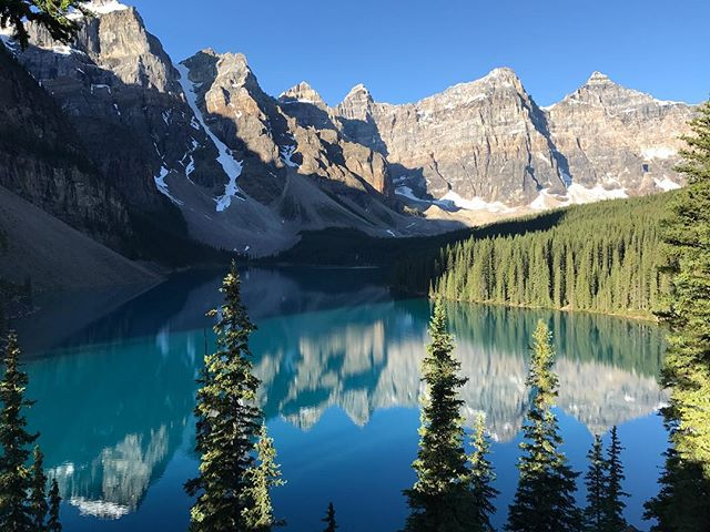 Moraine Lake looking stunning this morning. #morainelake #canada150 #dadventure