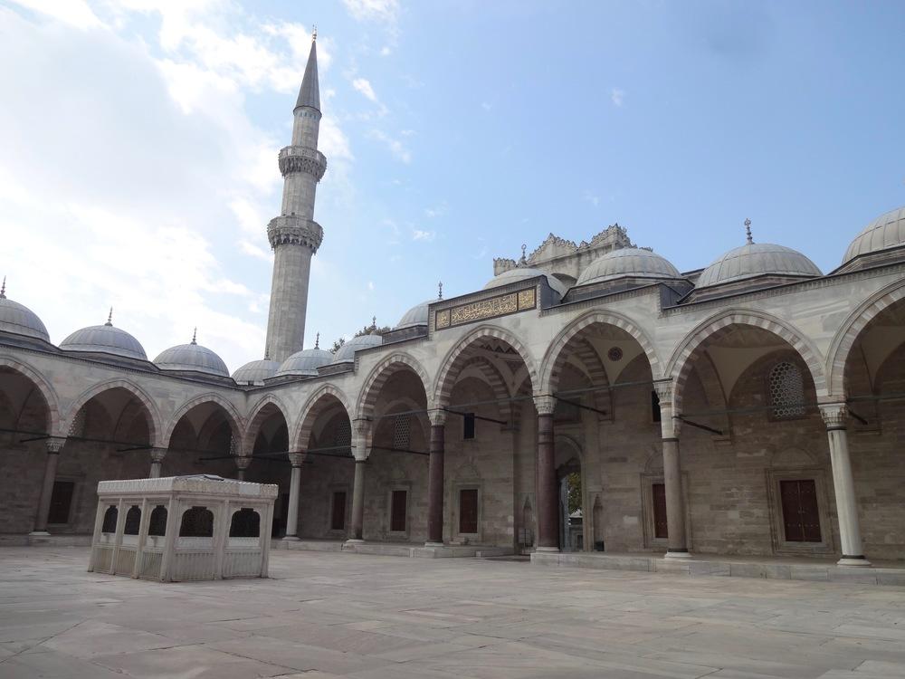 SÜLEYMANIYE MOSQUE   IN ISTANBUL, TURKEY - M.QUIGELY