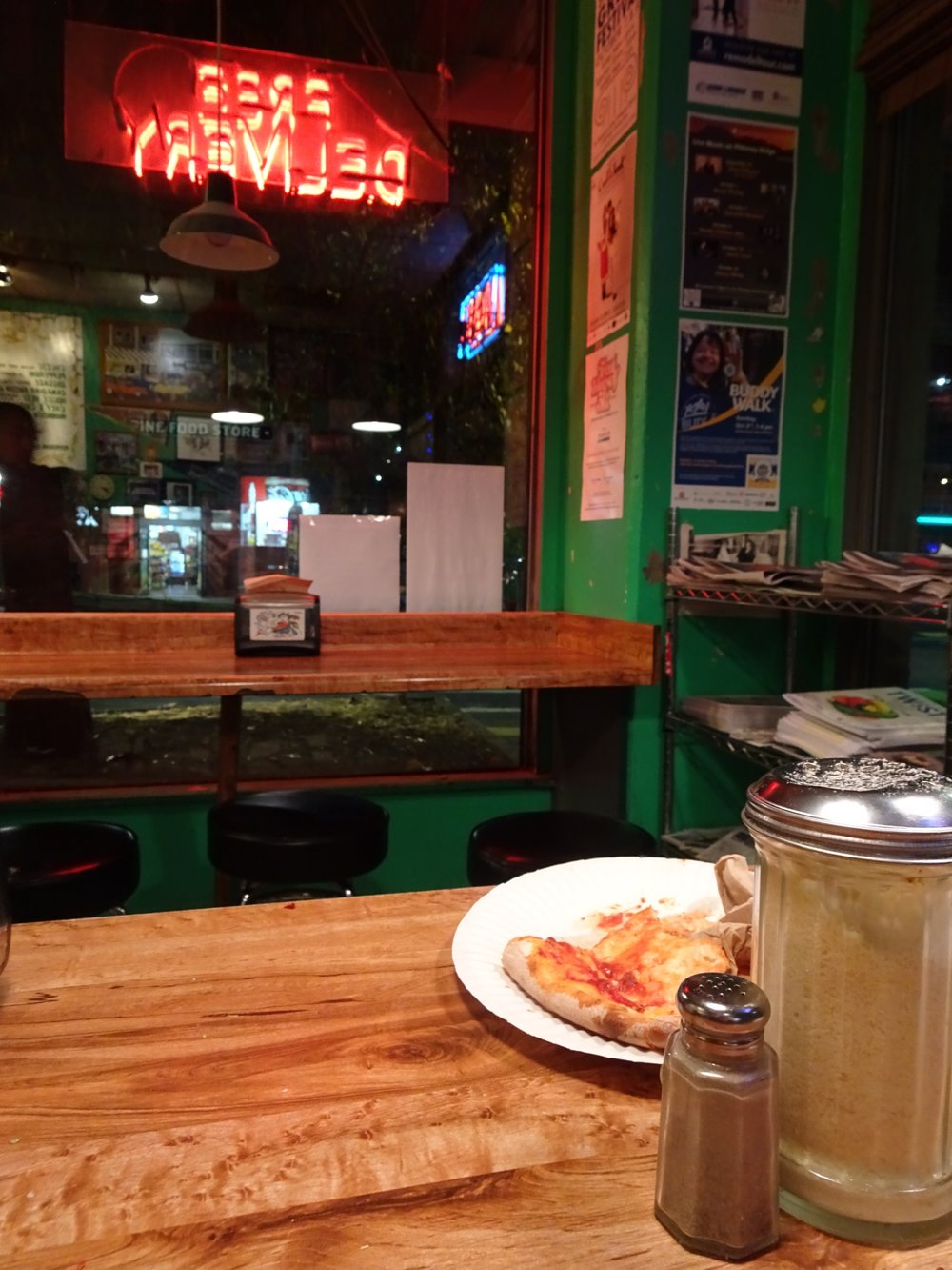 hot mama's pizza, seattle, washington - m.quigley