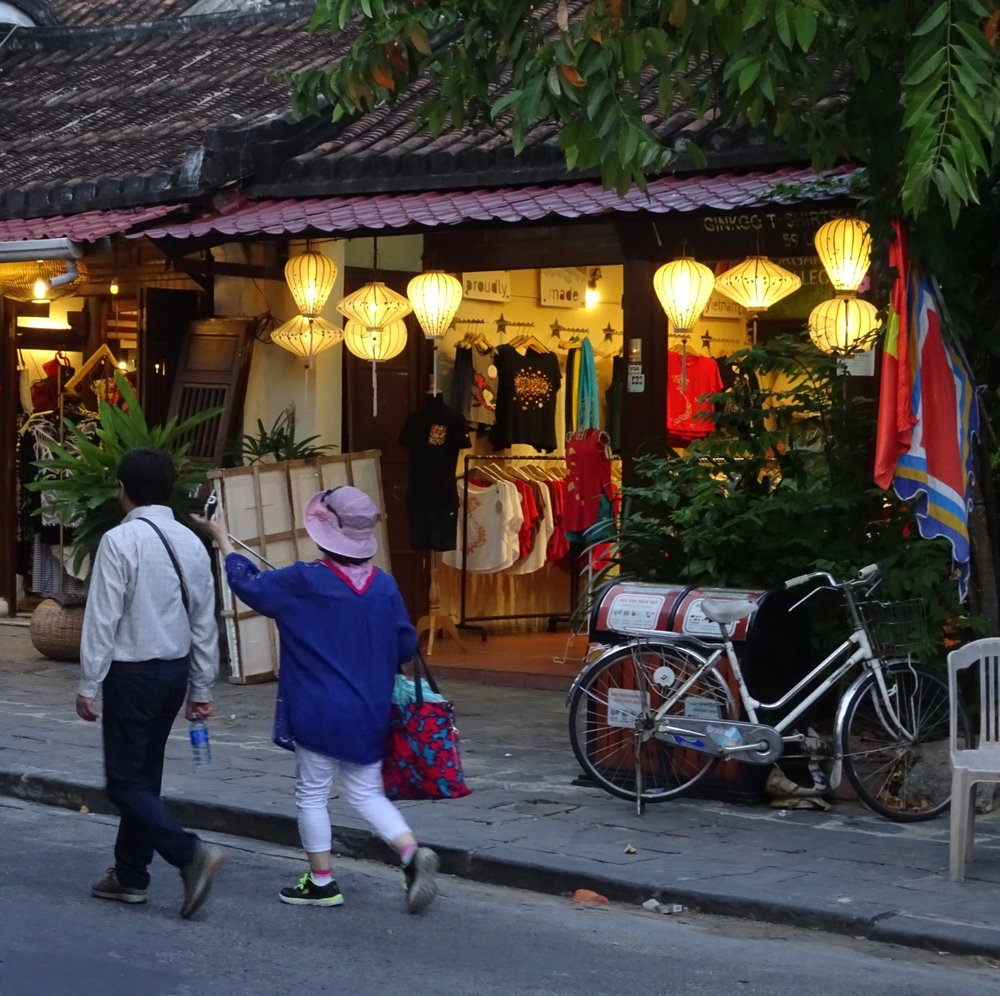 The real experience of getting clothing tailored in HOI AN, VIETNAM