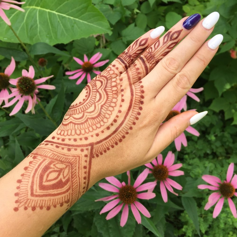 Natural henna stain