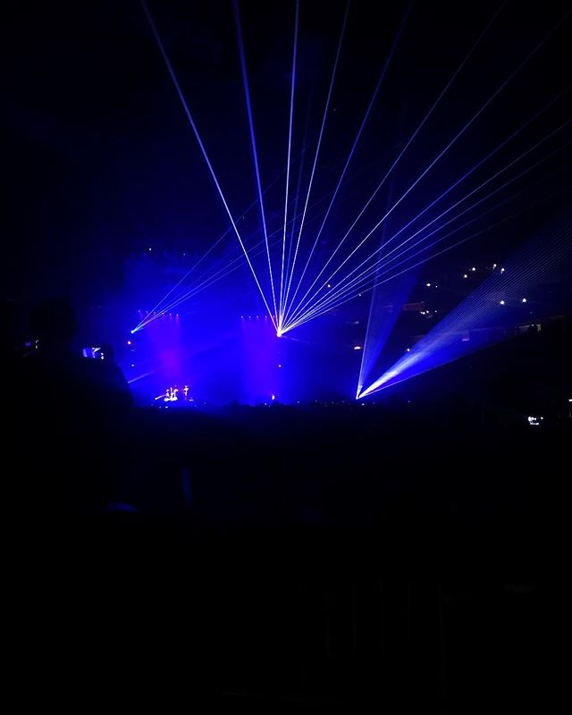 Twenty One Pilots at Pepsi Center. Sweet lasers! . . . . #pepsicenter #twentyonepilots #livemusic #stadiummedical #bestplacetowork #eventmedical #emslife #paramedic #emt #specialevents