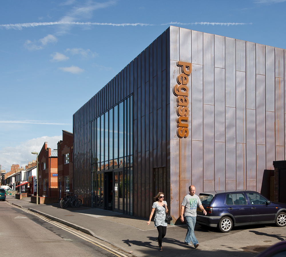 Feilden_Clegg_Bradley_Studios-Pegasus-Theatre-Oxford-07.jpg