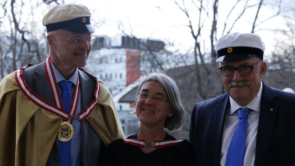 Humanistiska föreningens inspektor Bengt Novén med Inspektor Emerita Barbro Blehr samt Inspektor Emeritus Hans Aili. April 2018