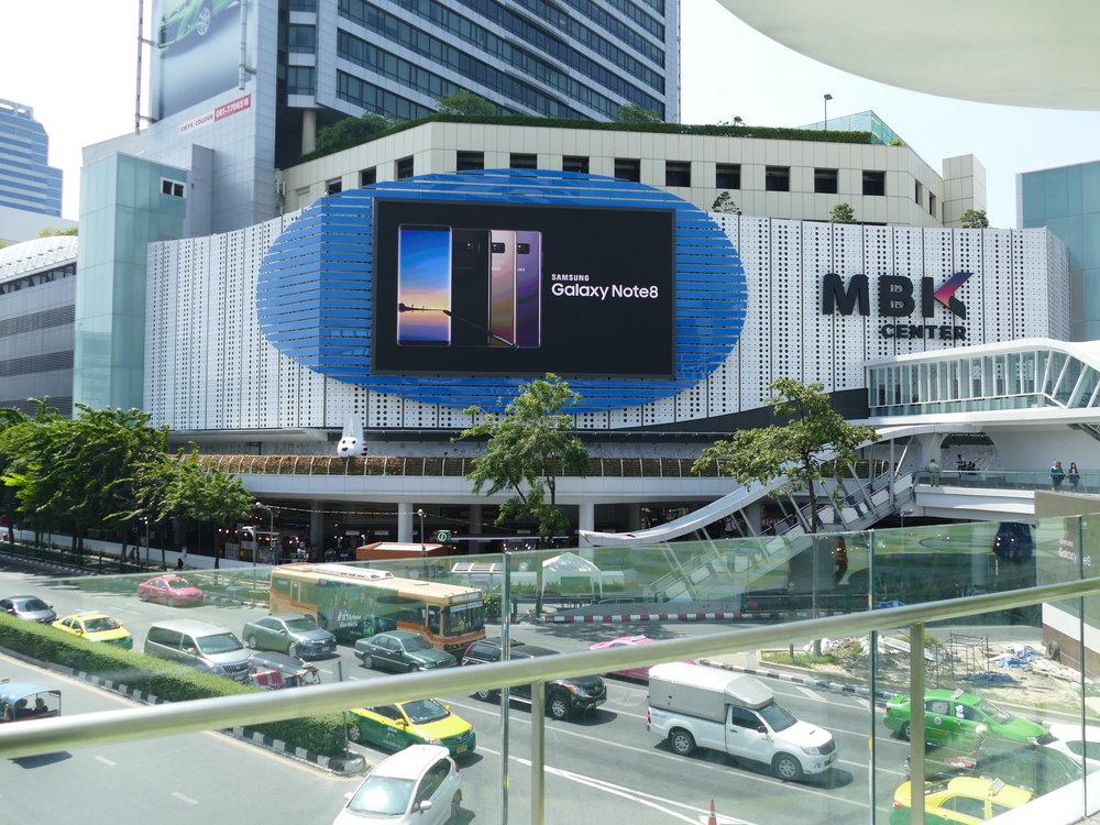 Énorme centre d'achat de Bangkok...pour nous ça n'aura été qu'une simple balade!