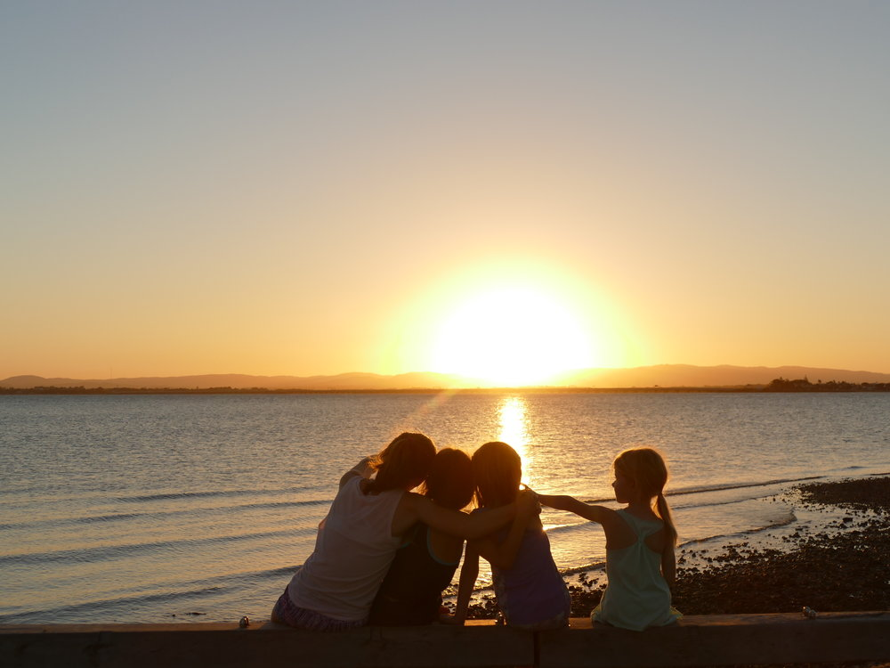 Même les microbes n'auront pas réussi à gâcher notre premier coucher de soleil...
