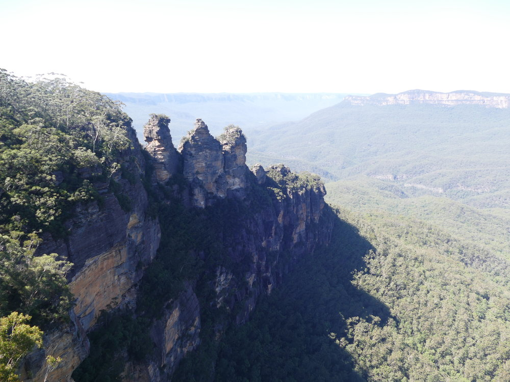 Les  three sisters