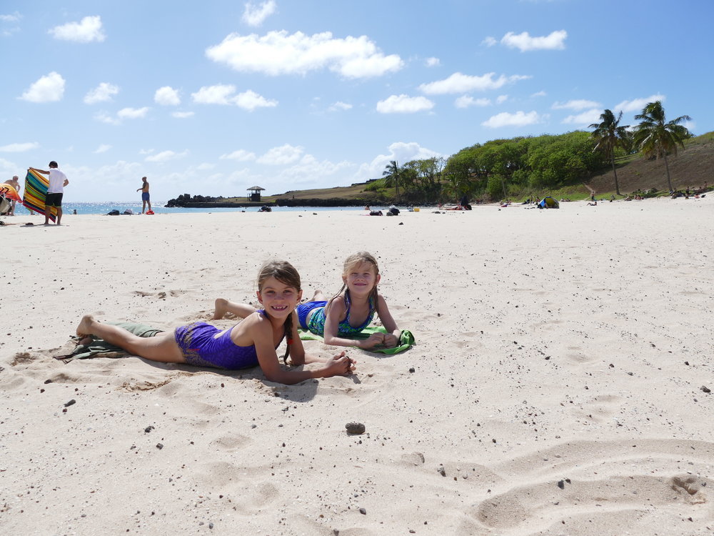 Quand on dit que c'est le paradis..il y a même une plage pour amuser petits et grands! Un grand moment pour papi!!