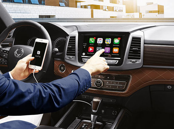 11_apple-carplay(l)2-crop-u153146.jpg