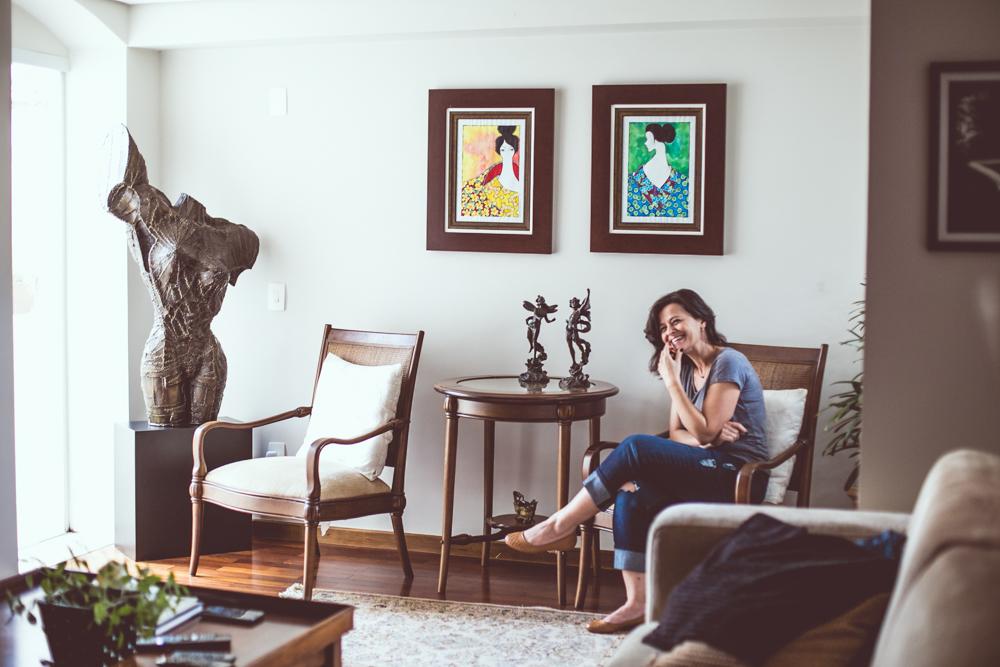 Dani Bonachela - Artista plástica e advogada. Já caminhou por várias técnicas de pintura e escultura. Hoje usa pincel, aquarela e nanquim para dar forma à feminilidade das mulheres que pinta. Já trabalhou em uma galeria de Londres e hoje possui sua própria galeria online. Tem extensa pesquisa no campo do desenvolvimento da criatividade.