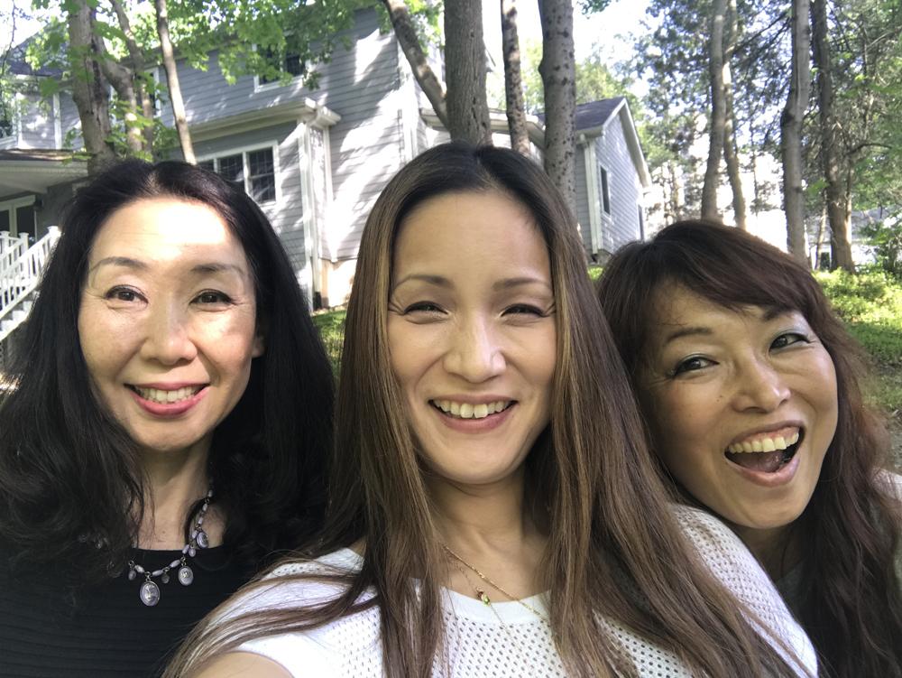 From left: Yoshiko & AK & Yuko