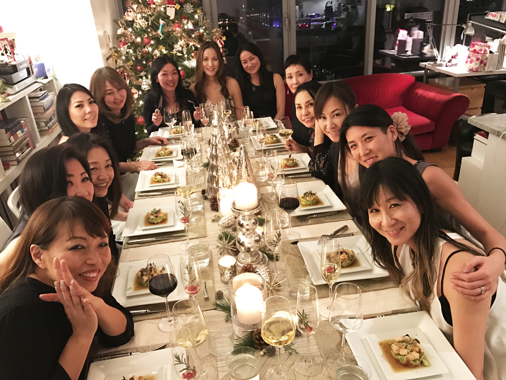 AK-BD-dinner-with-girls.jpg