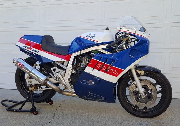 1986 Suzuki GSX-R750 — Moto Rosso Motorcycles