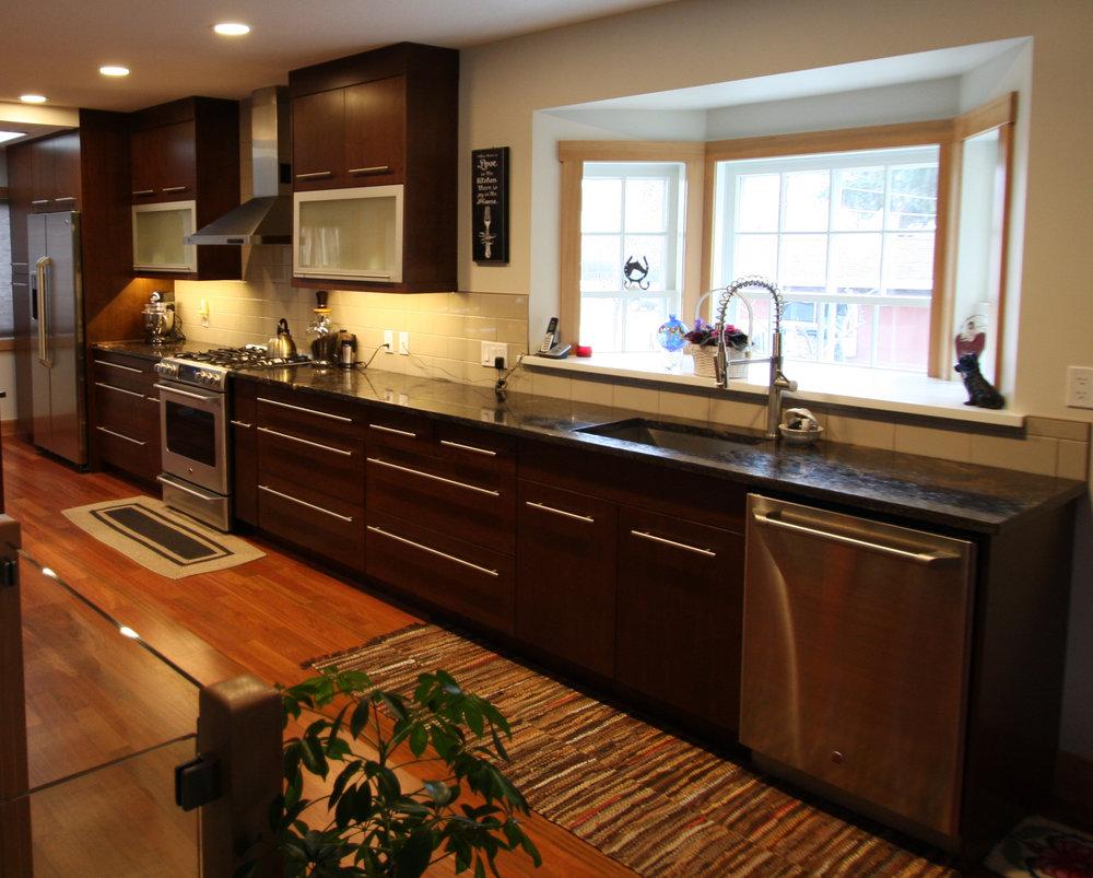Gipman Millwork Modern Kitchen.jpg