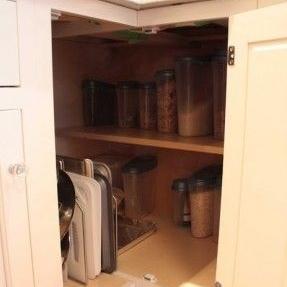 Lazy Susan Style Corner with Shelf