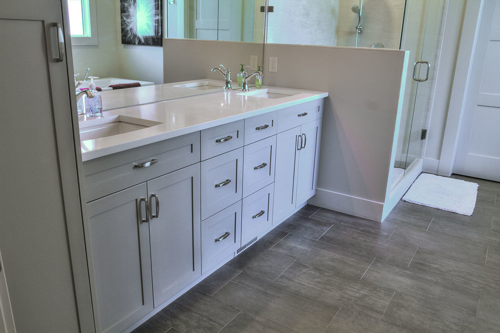 Invermere Master Bathroom Cabinetry