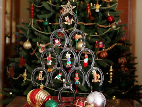 horseshoe christmas tree - Horseshoe Christmas Tree