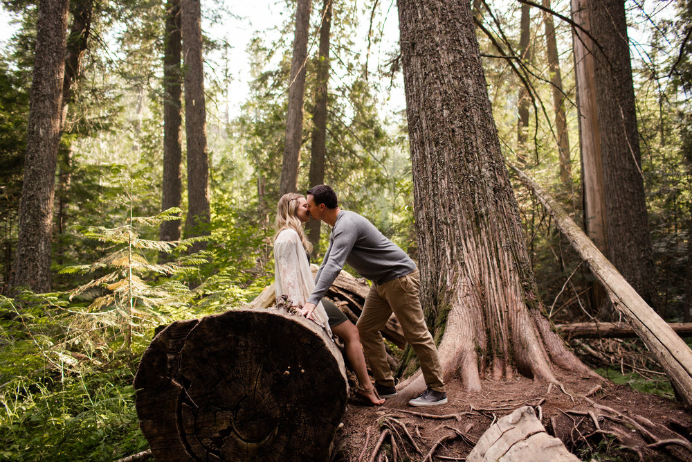 montana-missoula-engagement-photographer-1.jpg