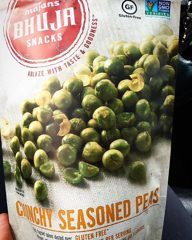 Snack.Attack🍽  New amazing snack found at @rainbownaturalfoods in #decatur. Love these dried peas spiced with Indian flavors! Thanks @bhujasnacks for the new find! 🙌🏻 #hopefullyplated #atlantafood #atlantaeats #snackhappy #glutenfree #mealprep