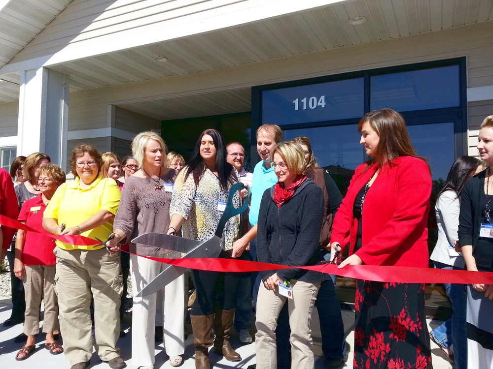 DL Ribbon Cutting.jpg