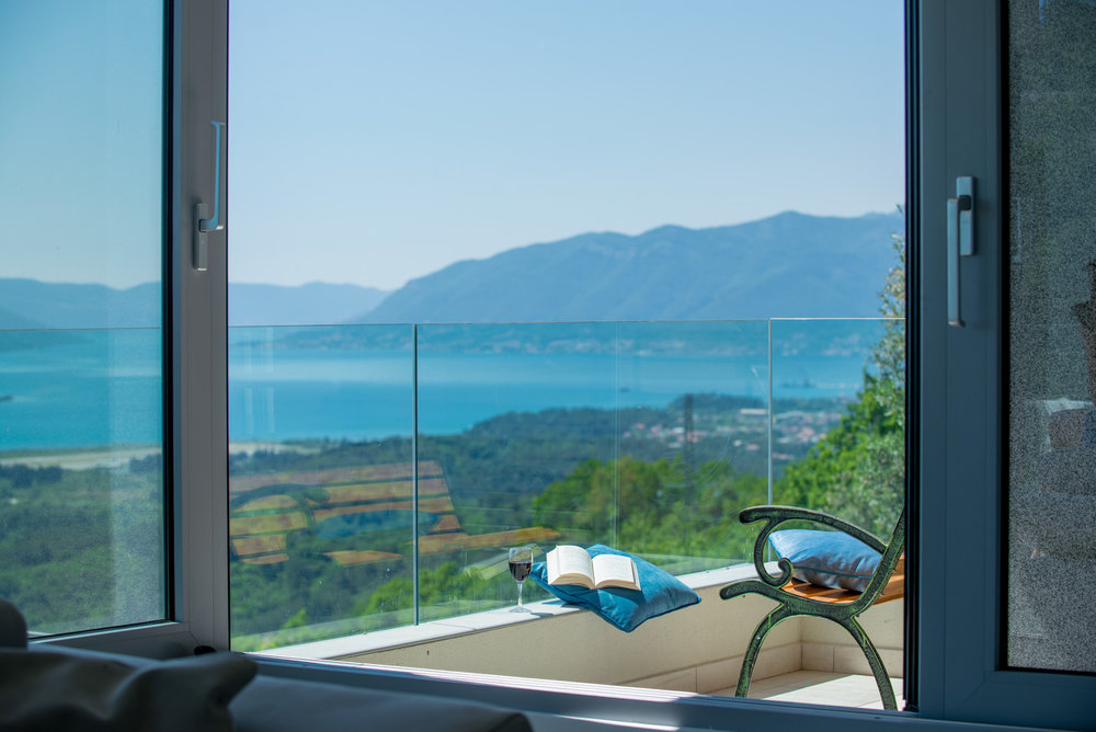Villa in Tivat for sale with swimming pool and sea view