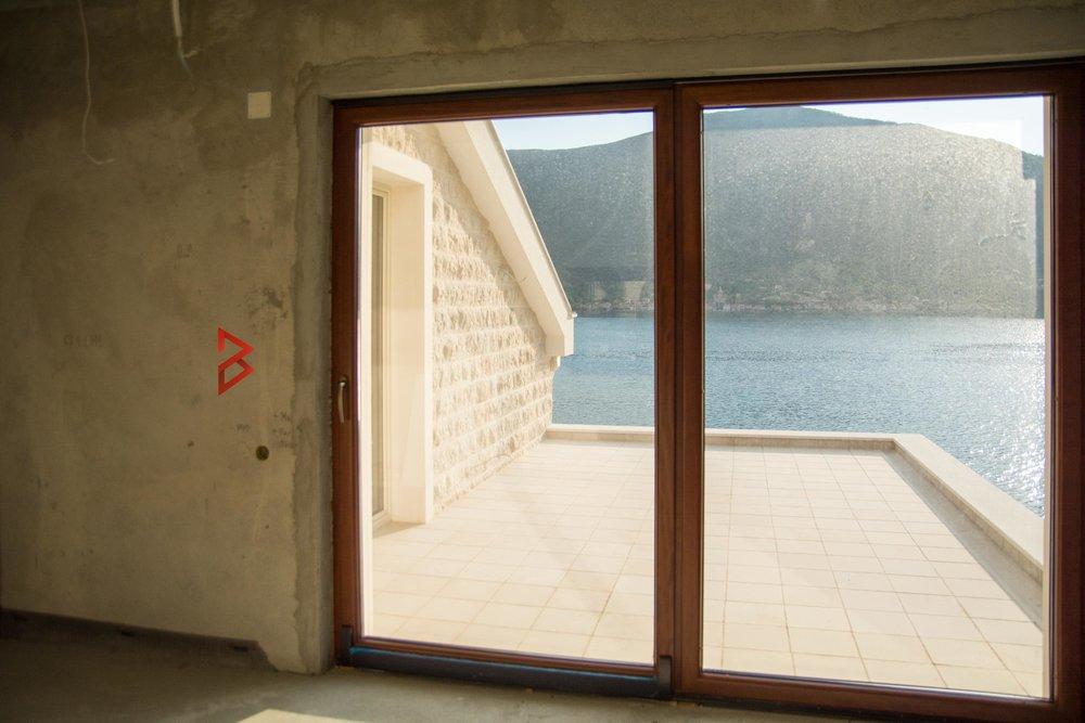Villa in Dobrota for sale