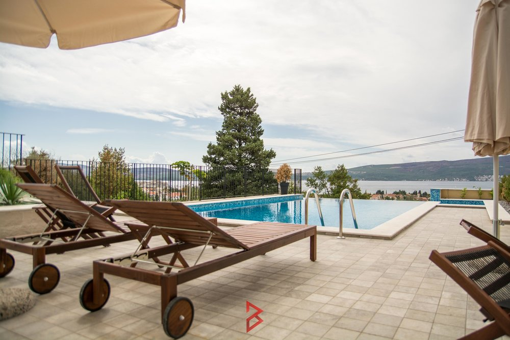 Three bedroom apartment for sale in Tivat