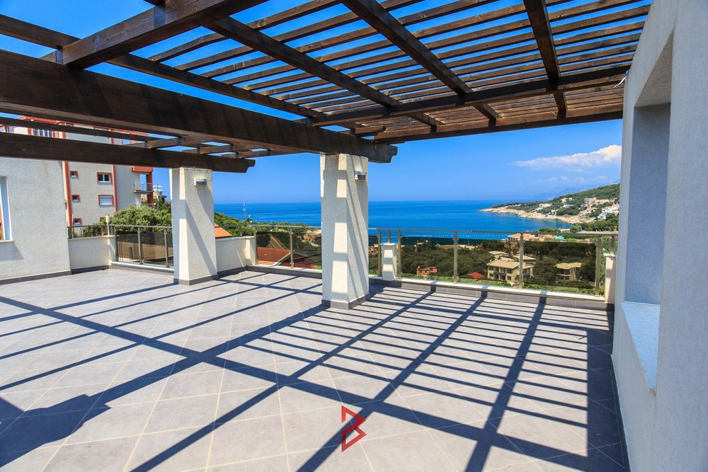Luxury villa with swimming pool for sale in Bar Montenegro