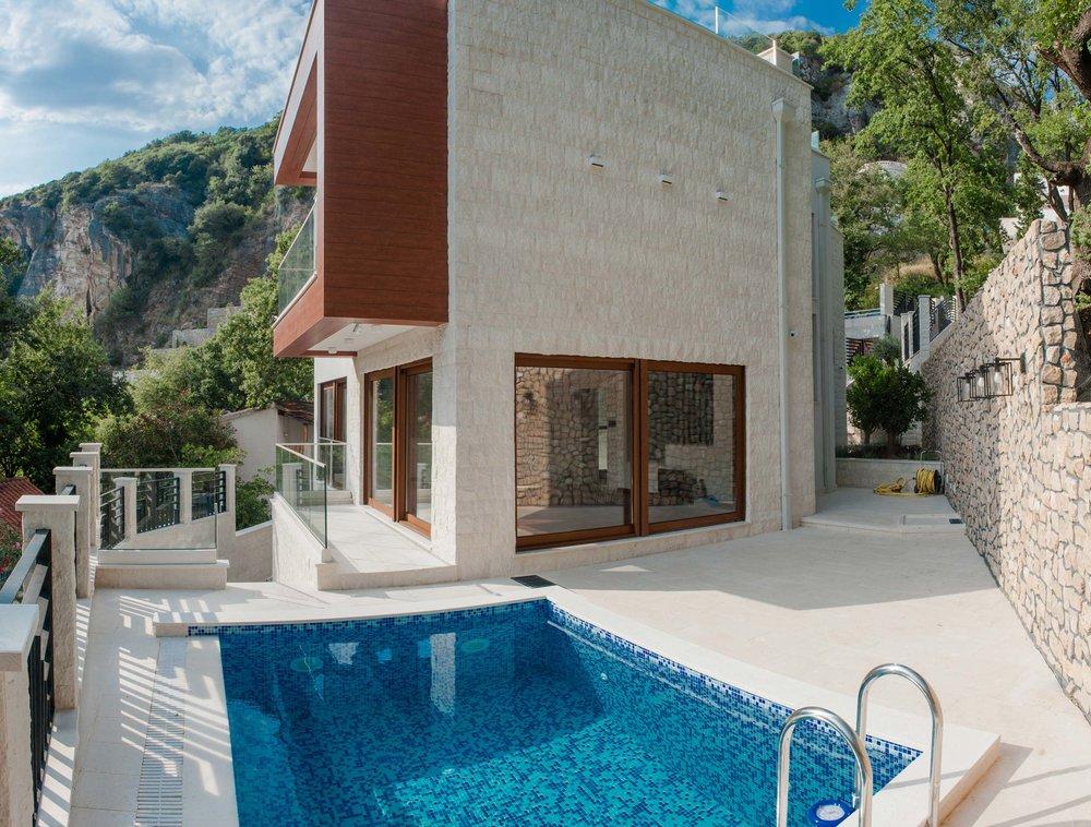 luxury-seafront-villa-for-sale-in-Budva-property-in-Montenegro--(1).jpg